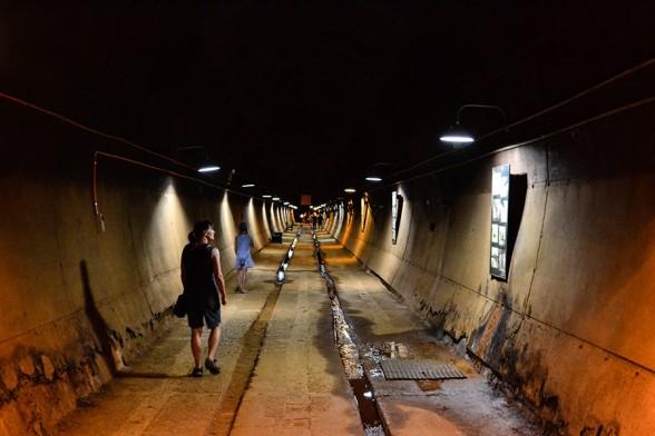 Darwin, Oil tunnels